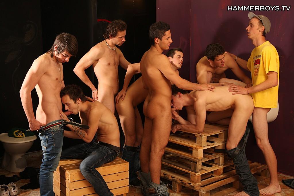 scene gay groupsex