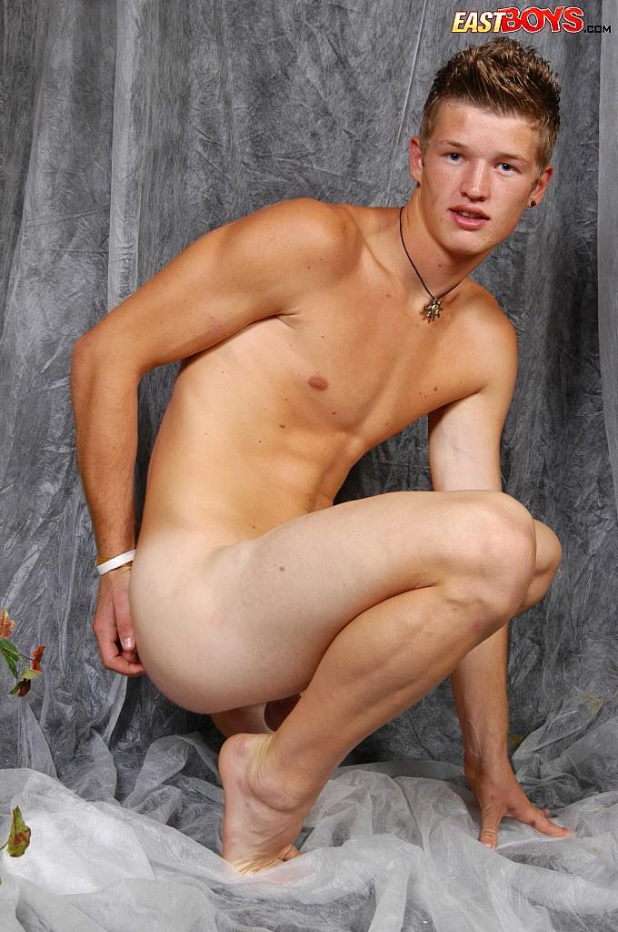 pretty naked Gay boys